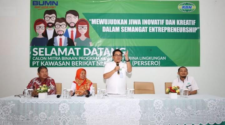 Direktur Keuangan PT. KBN(Persero), Daly Mulyana memberikan sambutan pembukaan pemberian Program Kemitraan dan Bina Lingkungan (PKBL)periode 3 tahun 2018